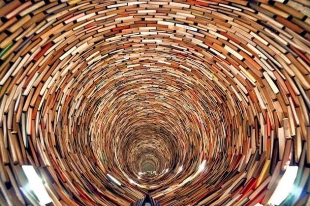 kreiselnde Bücher_1